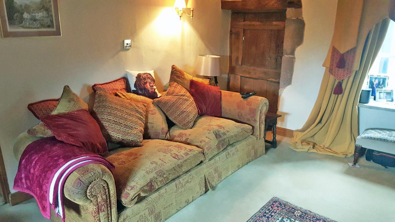 3 Bedroom Semi-detached House For Sale - 20210321_133901_resized.jpg